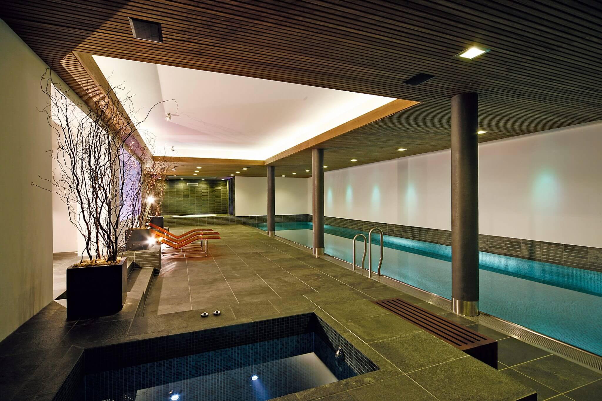 Indoor-Becken