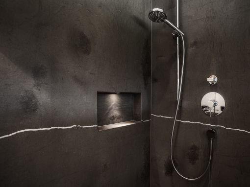 Naturstein-Dusche